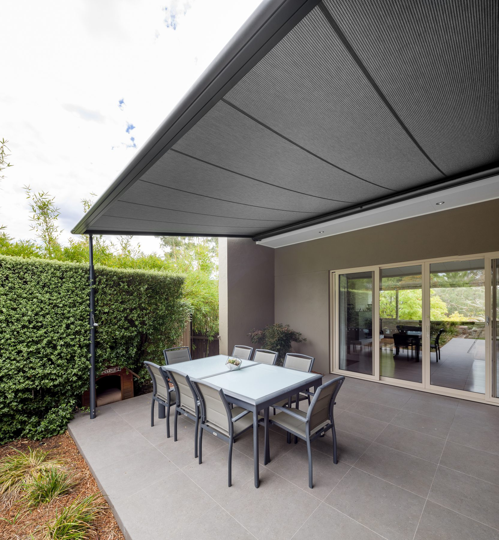 Retractable Pergola In Curtain